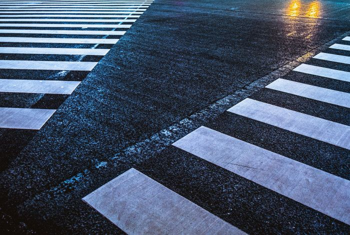 pedestrian crossing lines